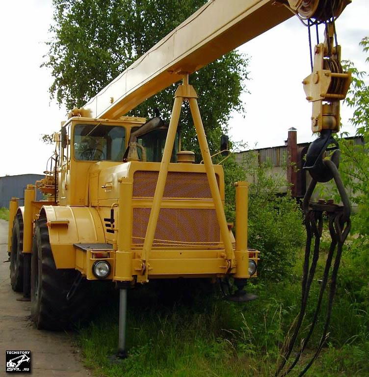 Фото кранов и тракторов